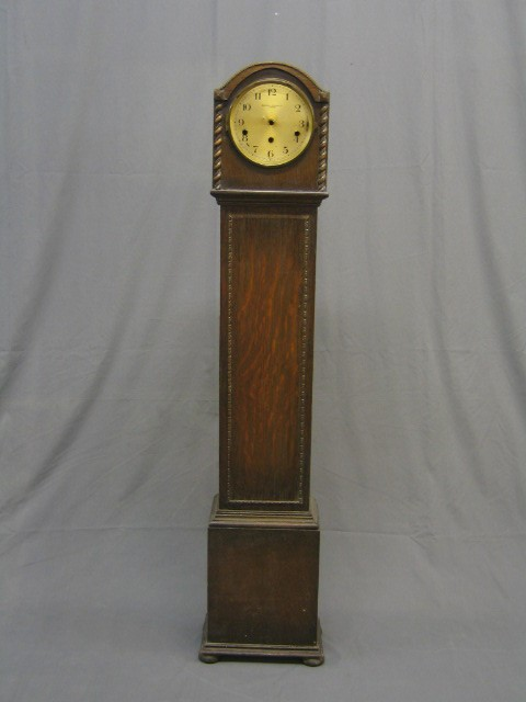 Lot No 169 A 1930 S Oak Granddaughter Clock The Silvered