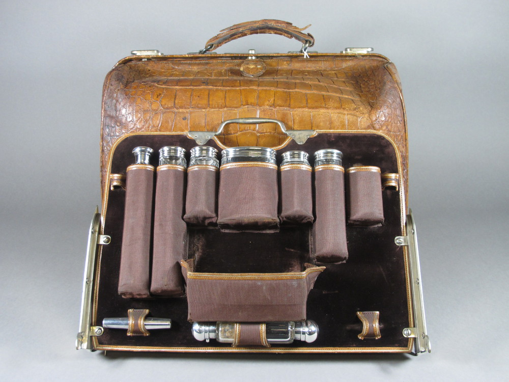 Lot No 895 An Excellent Victorian 21 Piece Travelling