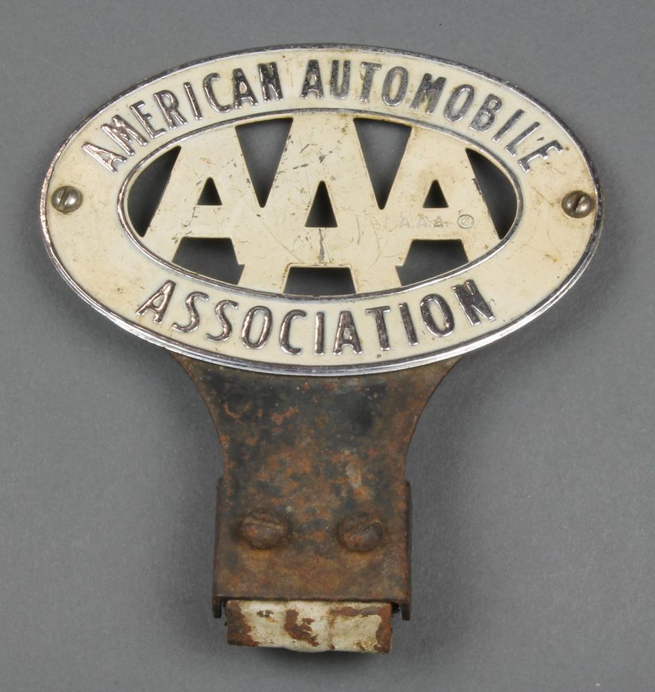 an american automobile association car radiator badge 21st october 2015 denhams. Black Bedroom Furniture Sets. Home Design Ideas